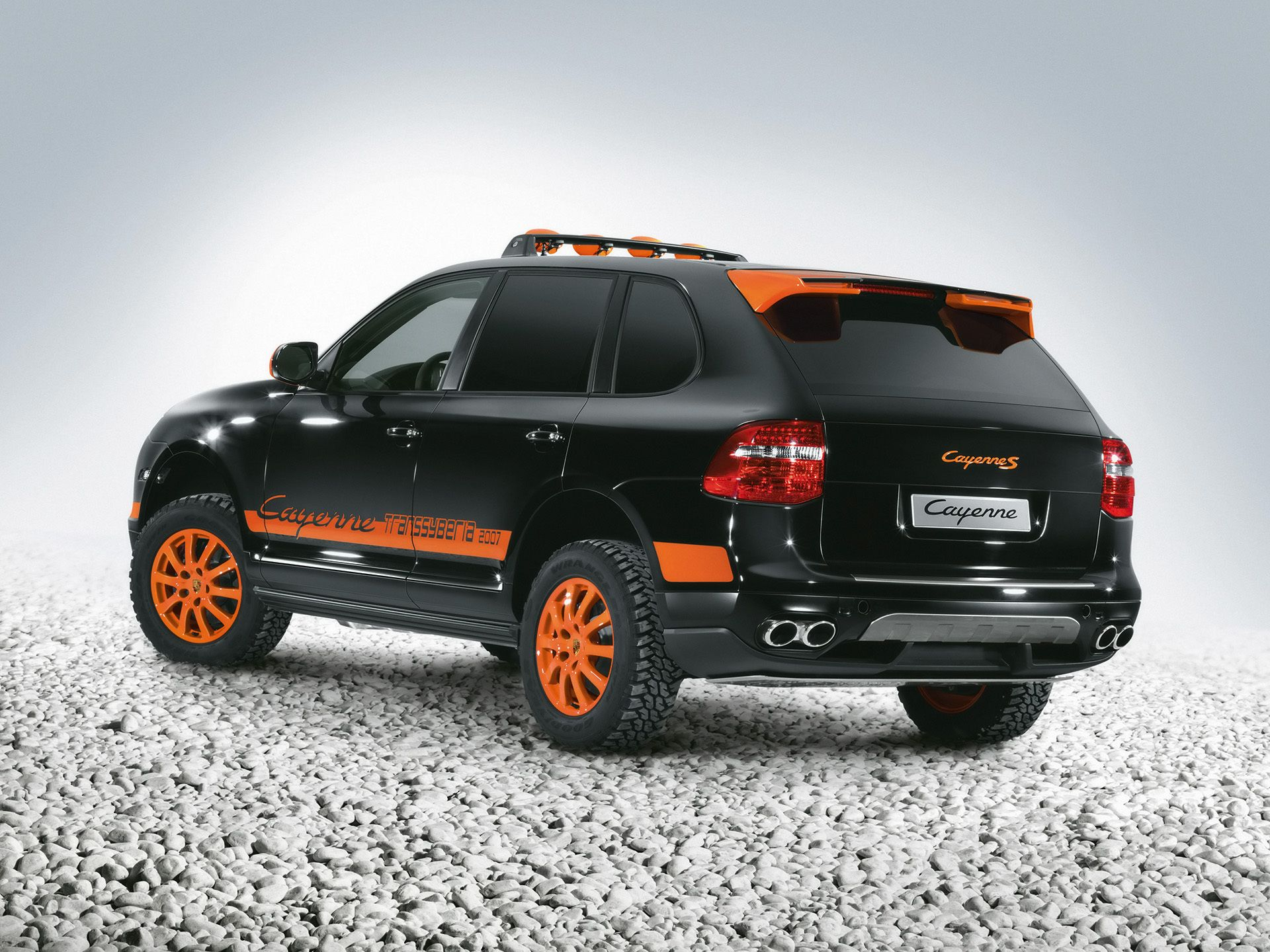 Porsche cayenne transsyberia black orange